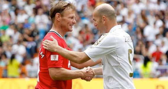Manchester United vs real madrid legends