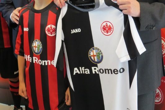 Eintracht Frankfurt jako kit 2014