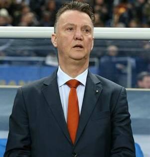 Louis van Gaal manchester united salary 2014