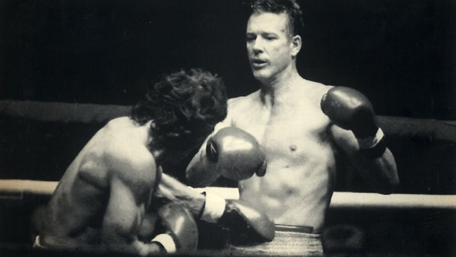 mickey rourke boxing