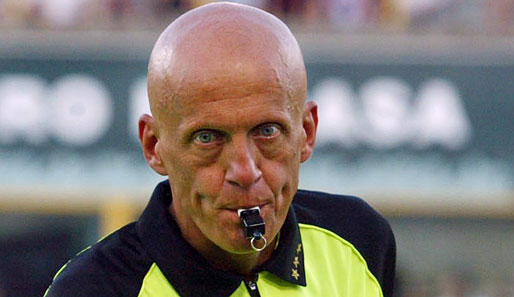 Top 10 all time greatest referees in history football