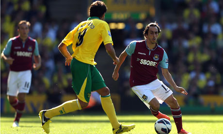 Norwich City v West Ham United - Carrow Road
