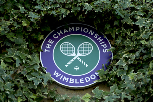 Wimbledon sign Ivy  The Championships Wimbledon 2011  The All England Lawn Tennis & Croquet Club Wimbledon Day 6 Saturday 25/06/2011 Credit: Tom Lovelock / AELTC