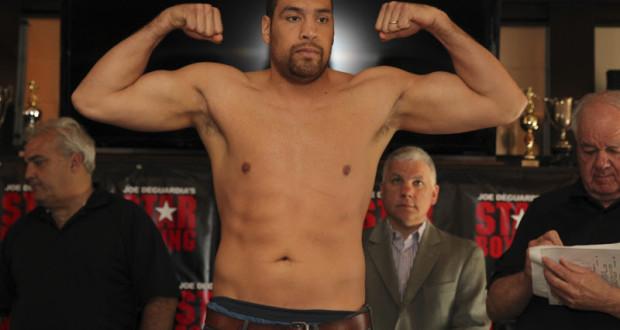 Derric Rossy Vs Trevor Bryan (Boxing)