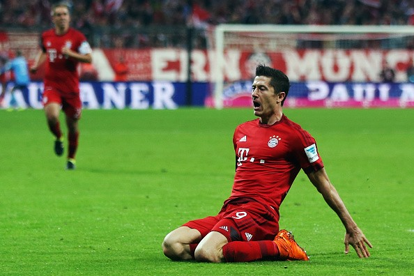 Wolfsburg Crashed on Lewandowski