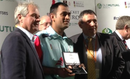 Dhoni scored an unbeaten 38 (photo: twitter/CricketforH4H)