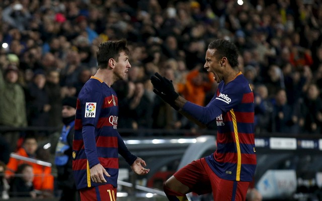 1.+Barcelona's+Lionel+Messi+(L)+and+Neymar+celebrate+a+goal+against+Espanyol.