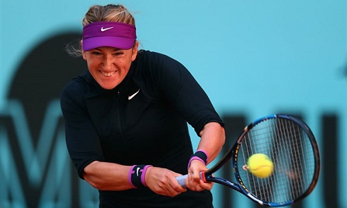 Azarenka unleashes a backhand en route a straight-set win (courtesy: livetennis.com)