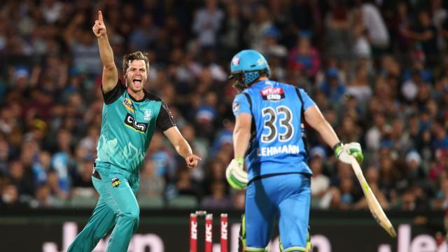 Adelaide Strikers could not win against Brisbane Heat at Adelaide Oval