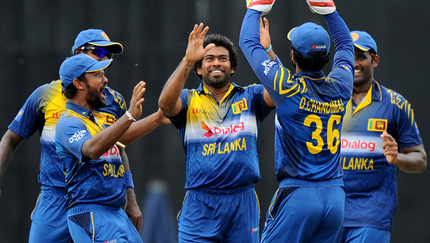 Sri Lanka got 1st victory in Tri Nation series