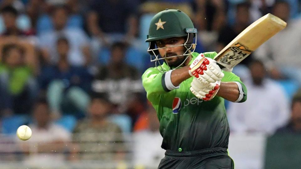 Pakistan faced batting collapsed in 2nd ODI at Abu Dhabi