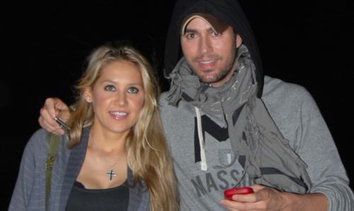Former tennis star Anna Kournikova and singer Enrique Iglesias welcome twins