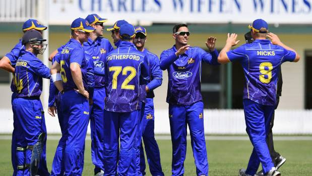 Otago faced defeat against Auckland