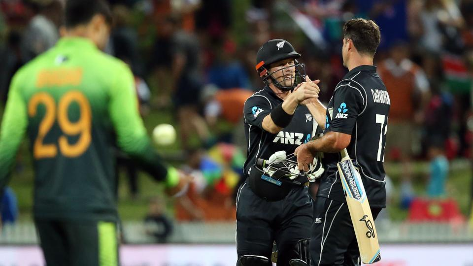 New Zealand won by 5 wickets at Hamilton