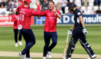 Essex Eagles won by 6 wickets