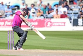 Sussex Sharks won by 7 wickets