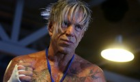 mickey rourke boxing match fix vs elliot seymour fight video TKO r2 knockout russia moskow