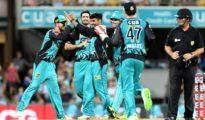 Brisbane Heat won against Sydney Thunder by 6 wickets