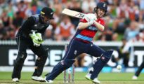 England won by 2 runs at Hamilton